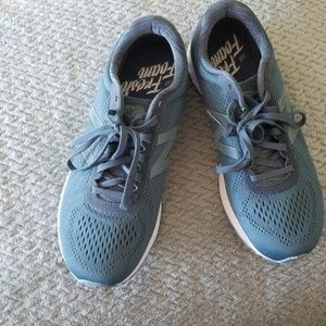 New Balance Womens Shoes  Size 10